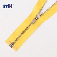 0244-40-1 #3 brass zipper