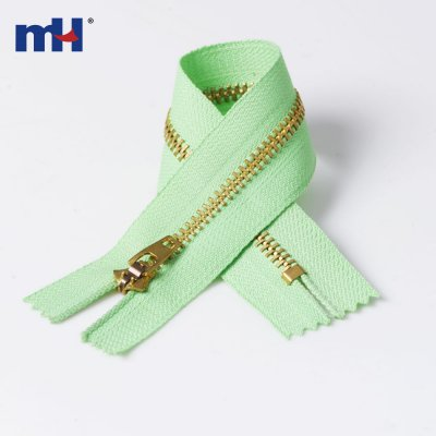 0245-20 #4 Brass zipper